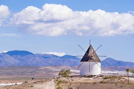molino-viento-fernan-perez-almeria-pueblo-nijar-cabo-gata